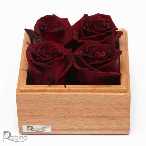باکس گل رز جاودان تزئین شده با چهار گل سرخابی