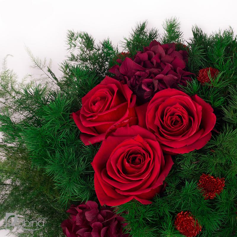 گل رز جاودان قرمز